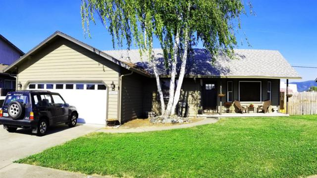 1049 Rainwood Lane, Grants Pass, OR 97527 (#2992196) :: Rocket Home Finder