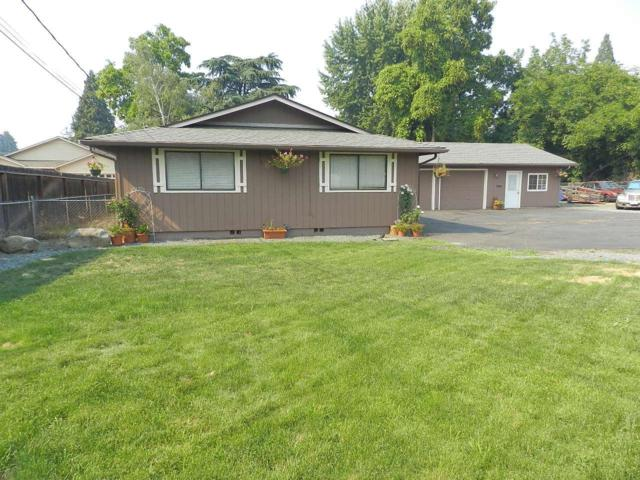 468 W Pine Street, Central Point, OR 97502 (#2992240) :: Rocket Home Finder