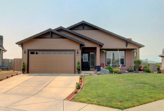 421 Phoenix Hills Drive, Phoenix, OR 97535 (#2992377) :: Rocket Home Finder