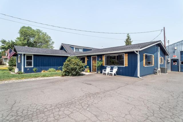 744 Diamond Street, Medford, OR 97501 (#2992491) :: Rocket Home Finder
