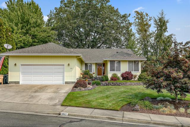 940 NW Donna Drive, Grants Pass, OR 97526 (#2992742) :: Rocket Home Finder