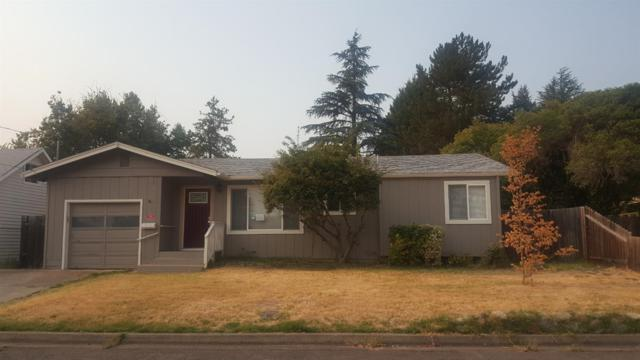 716 NE Outlook Avenue, Grants Pass, OR 97526 (#2992857) :: Rocket Home Finder