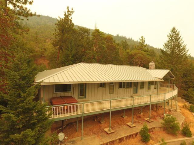 725 Oakridge Drive, Grants Pass, OR 97526 (#2992877) :: Rocket Home Finder