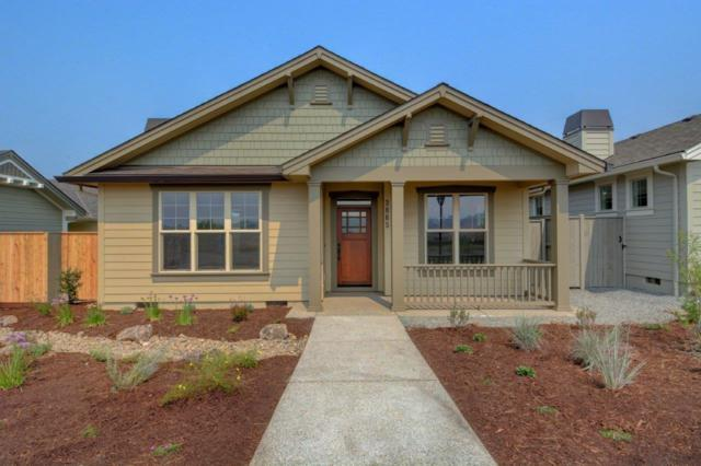 3865 Shamrock Drive, Medford, OR 97504 (#2993084) :: Rocket Home Finder