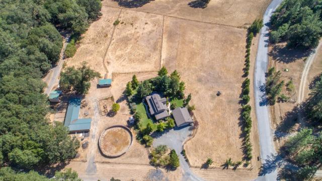 550 Sunny Glen Way, Sunny Valley, OR 97497 (#2993833) :: Rocket Home Finder