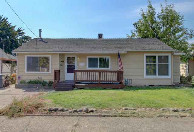 933 Mt Pitt Avenue, Medford, OR 97501 (#2994136) :: Rocket Home Finder