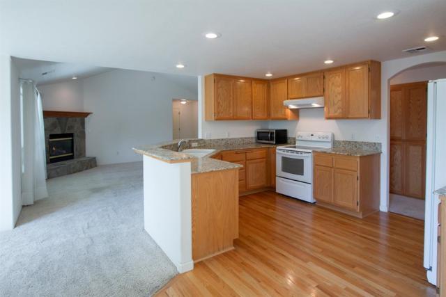 1035 Birmingham Street, Medford, OR 97501 (#2994161) :: Rocket Home Finder