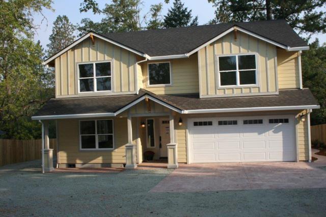 5226 Redwood Avenue, Grants Pass, OR 97527 (#2994207) :: Rocket Home Finder