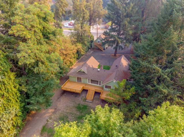 2100 Rogue River Highway, Grants Pass, OR 97527 (#2994263) :: Rocket Home Finder