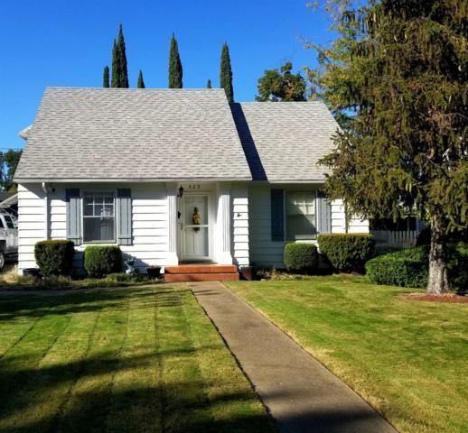 828 Palm Street, Medford, OR 97501 (#2994294) :: Rocket Home Finder