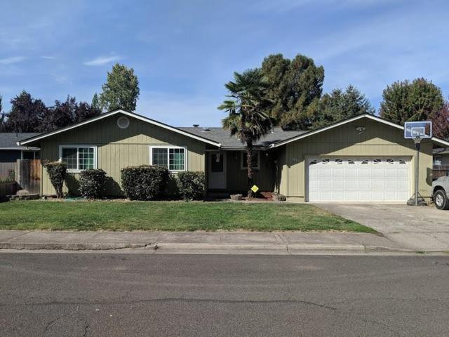 1843 Marys Way, Central Point, OR 97502 (#2994445) :: Rocket Home Finder