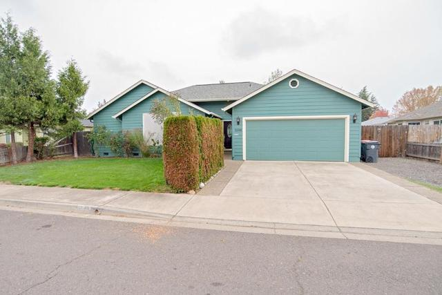 1342 Greentree Way, Central Point, OR 97502 (#2995752) :: Rocket Home Finder