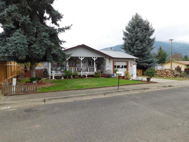 222 NE Darcie Way, Myrtle Creek, OR 97457 (#2995945) :: Rocket Home Finder