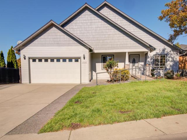 1535 Ridge Way, Medford, OR 97504 (#2996011) :: Rocket Home Finder