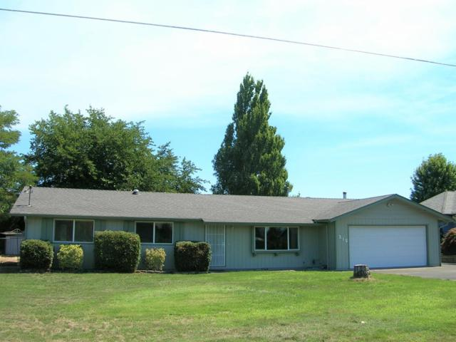 215 Parkhill Place, Grants Pass, OR 97527 (#2996082) :: Rocket Home Finder