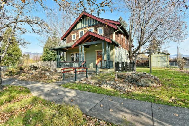 780 Oak Street, Ashland, OR 97520 (#2996131) :: Rocket Home Finder