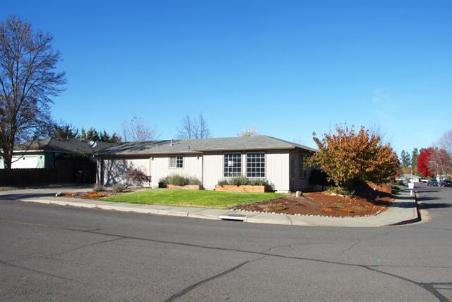 982 Rebecca Drive, Phoenix, OR 97535 (#2996165) :: FORD REAL ESTATE