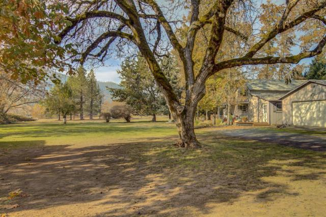 7342 New Hope Road, Grants Pass, OR 97527 (#2996257) :: FORD REAL ESTATE