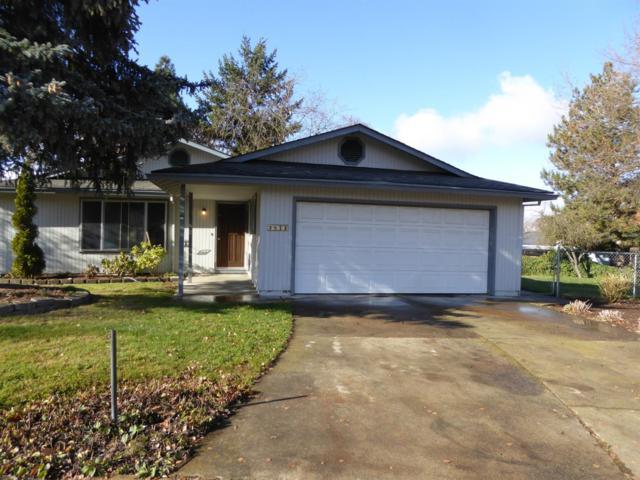2873 Anita Circle, Medford, OR 97504 (#2996796) :: Rutledge Property Group