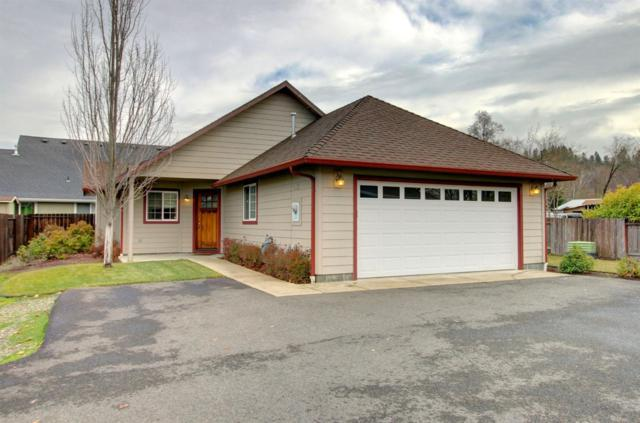 195 SE Yorktown Road, Grants Pass, OR 97527 (#2996834) :: FORD REAL ESTATE
