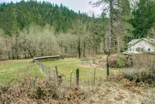 4994 W Evans Creek Road, Rogue River, OR 97537 (#2997465) :: Rutledge Property Group
