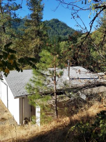 2585 E Evans Creek, Rogue River, OR 97537 (#2997902) :: Rutledge Property Group