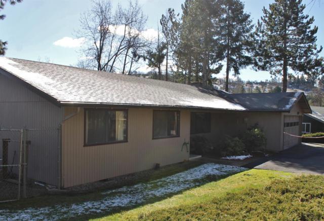 1452 Angelcrest Drive, Medford, OR 97504 (#2998440) :: Rutledge Property Group