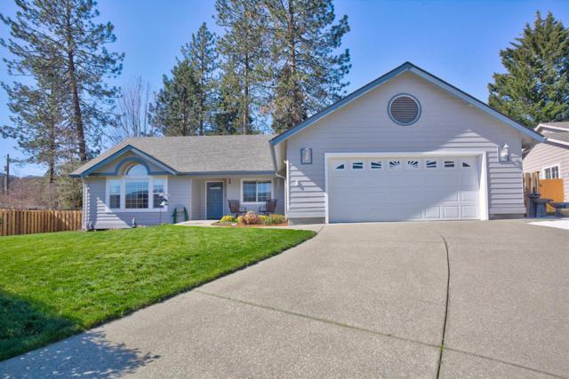 945 NW Donna Drive, Grants Pass, OR 97526 (#2999061) :: FORD REAL ESTATE