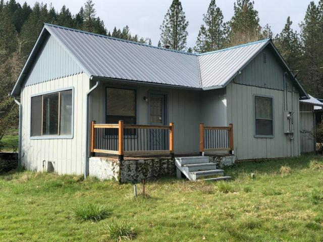 6897 W Evans Creek Road, Rogue River, OR 97537 (#2999787) :: FORD REAL ESTATE