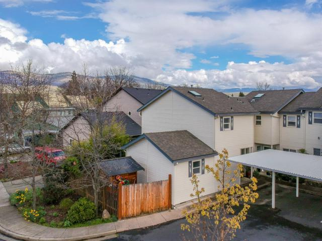 496 Tulipan Way, Talent, OR 97540 (#2999968) :: FORD REAL ESTATE