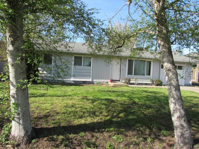 242 Stanford Way, Grants Pass, OR 97527 (#3000400) :: FORD REAL ESTATE