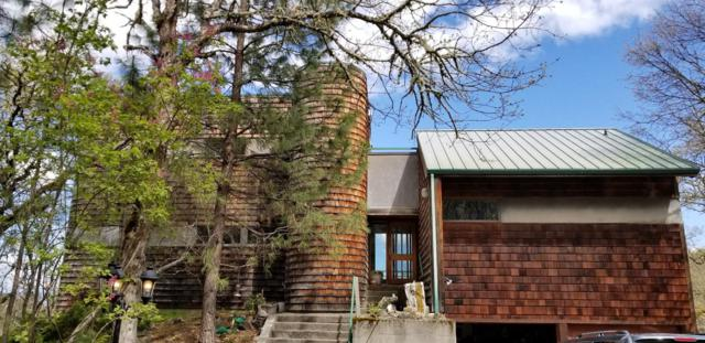 2940 Old Military Road, Central Point, OR 97502 (#3000420) :: FORD REAL ESTATE