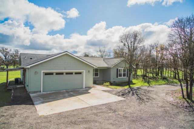 5746 Table Rock Road, Central Point, OR 97502 (#3000499) :: FORD REAL ESTATE
