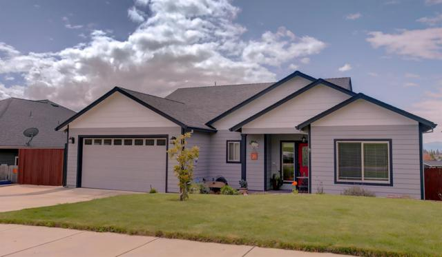 1050 Azure Way, Eagle Point, OR 97524 (#3000574) :: FORD REAL ESTATE