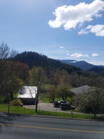 7745 N Applegate Road, Grants Pass, OR 97527 (#3000610) :: FORD REAL ESTATE