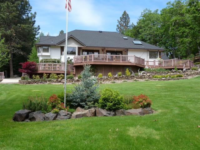 243 Rene Drive, Shady Cove, OR 97539 (#3000656) :: FORD REAL ESTATE
