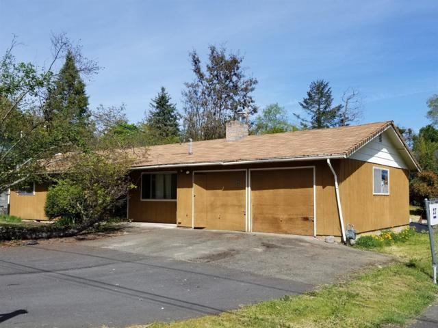 23 SW Eastern Avenue, Grants Pass, OR 97526 (#3000797) :: FORD REAL ESTATE
