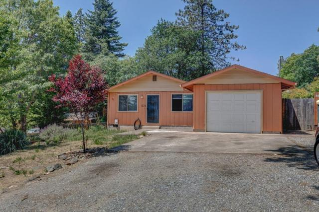 584 Gustaf Street, Gold Hill, OR 97525 (#3002425) :: FORD REAL ESTATE