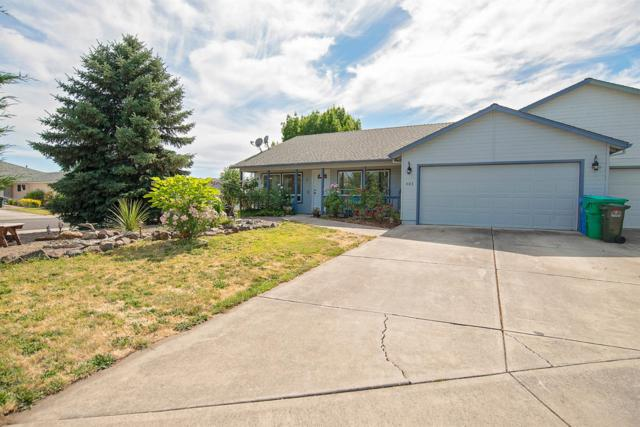 403 St Clair Way, Eagle Point, OR 97524 (#3003091) :: FORD REAL ESTATE
