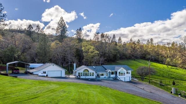 4478 Dark Hollow Road, Medford, OR 97501 (#3003313) :: FORD REAL ESTATE