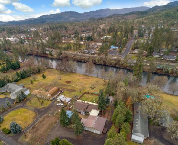1185 Old Ferry Road, Shady Cove, OR 97539 (#3004145) :: Rutledge Property Group