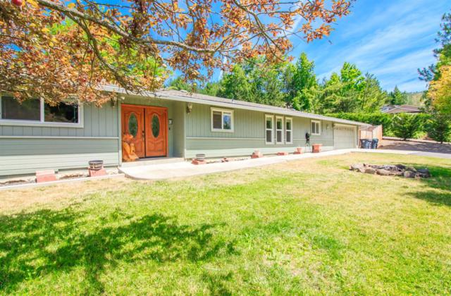 1439 Angel Crest Drive, Medford, OR 97504 (#3004147) :: Rutledge Property Group