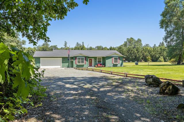 845 Riverbanks Road, Grants Pass, OR 97527 (#3004210) :: FORD REAL ESTATE