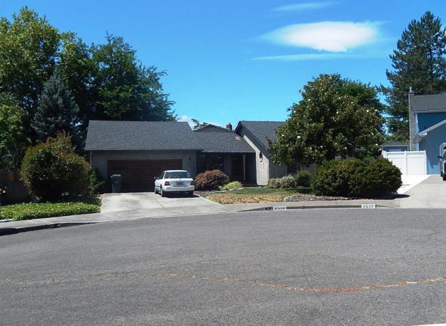 2527 Seville Circle, Medford, OR 97504 (#3004362) :: FORD REAL ESTATE