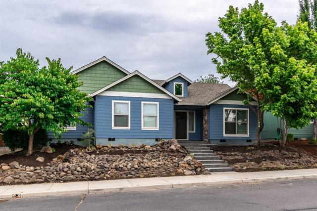 942 Win Way, Eagle Point, OR 97524 (#3004391) :: Rutledge Property Group