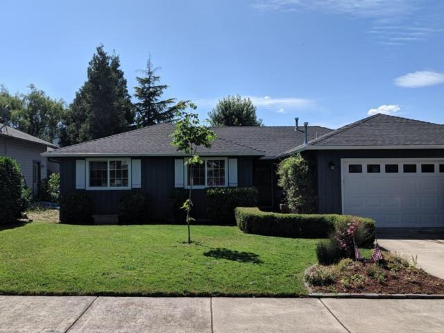140 Brierwood Drive, Talent, OR 97540 (#3004463) :: FORD REAL ESTATE