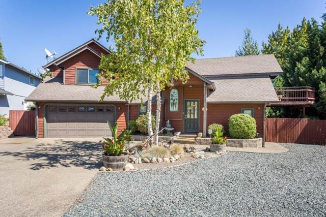 104 NW Dawnhill Court, Grants Pass, OR 97526 (#3006559) :: FORD REAL ESTATE