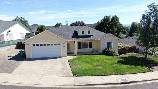 933 Ridgeview Drive, Eagle Point, OR 97524 (#3006592) :: FORD REAL ESTATE