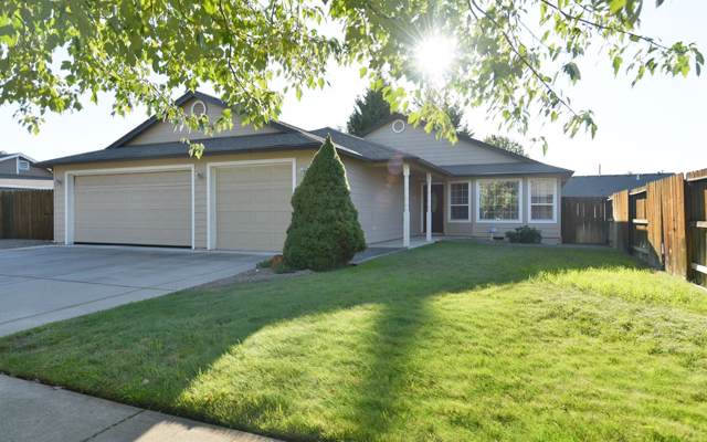 1396 Clearwater Drive, Medford, OR 97501 (#3006607) :: Rutledge Property Group