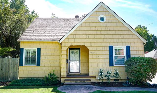 611 NE A Street, Grants Pass, OR 97526 (#3006654) :: FORD REAL ESTATE